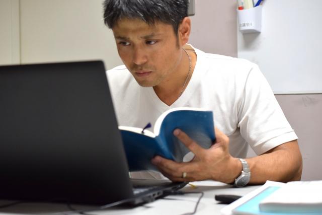WEBライターでサラリーマンが月3万円稼ぐコツをご紹介!